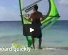 Start z plazy na windsurfingu